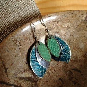3/$20 leaf drop earrings VNTG enamel blue green